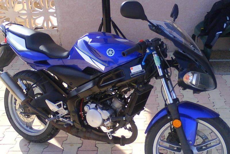 Moto sans carenages